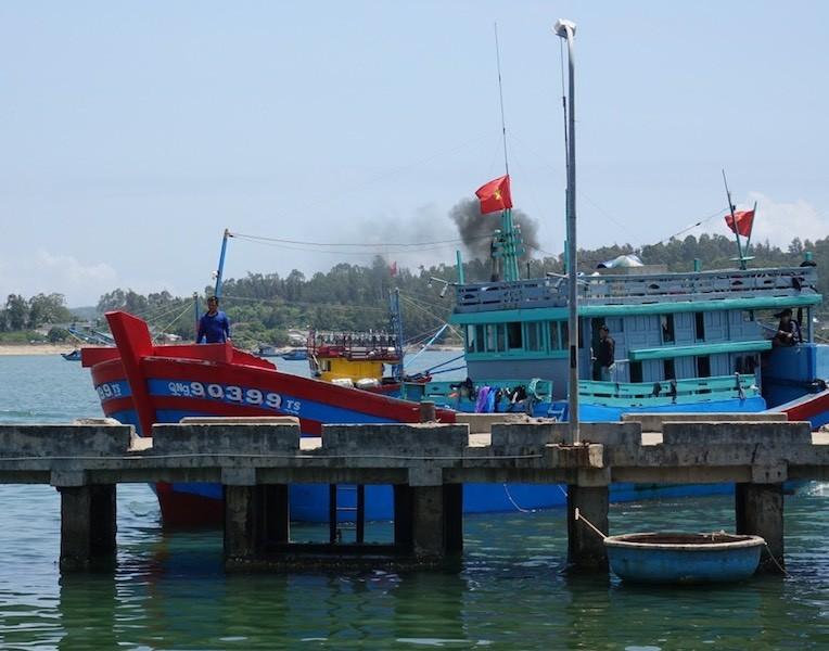 4 ngư dân bị tông chìm ở Hoàng Sa đã vào bờ - ảnh 1
