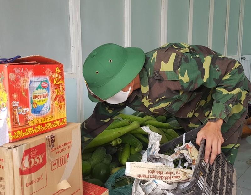 Dân Quảng Nam góp từng mớ rau, quả bí chống dịch COVID-19 - ảnh 3