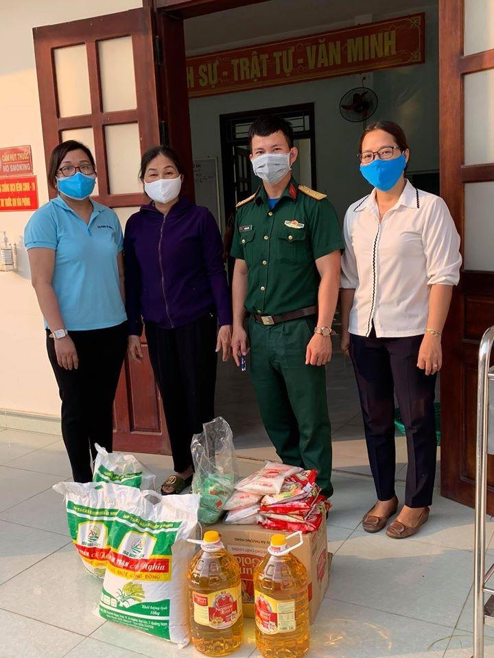 Dân Quảng Nam góp từng mớ rau, quả bí chống dịch COVID-19 - ảnh 1
