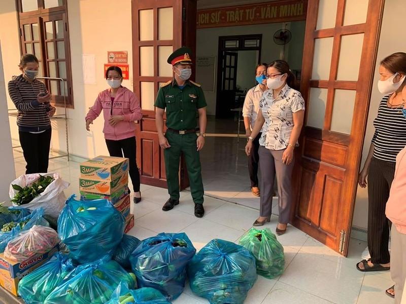 Dân Quảng Nam góp từng mớ rau, quả bí chống dịch COVID-19 - ảnh 6