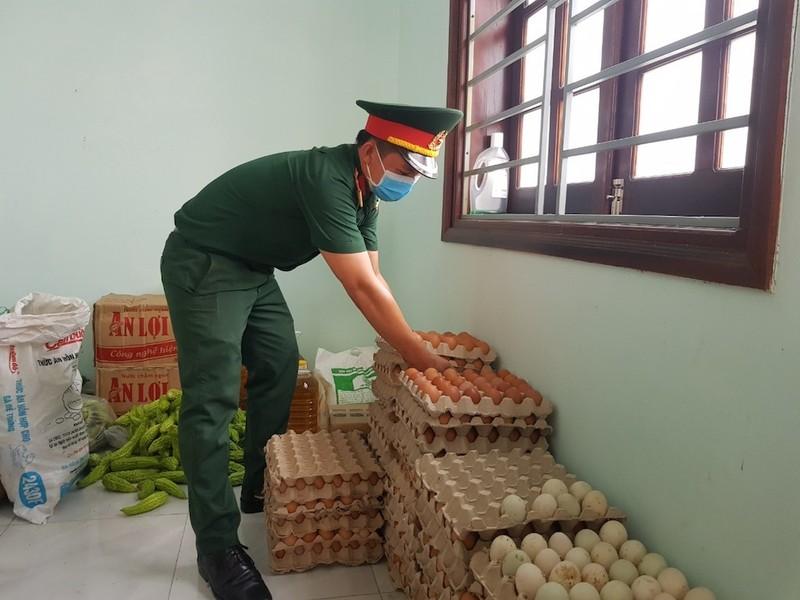 Dân Quảng Nam góp từng mớ rau, quả bí chống dịch COVID-19 - ảnh 5