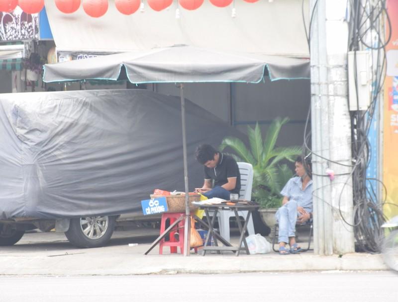 Quảng Nam: Nhiều người ra đường không đeo khẩu trang - ảnh 3