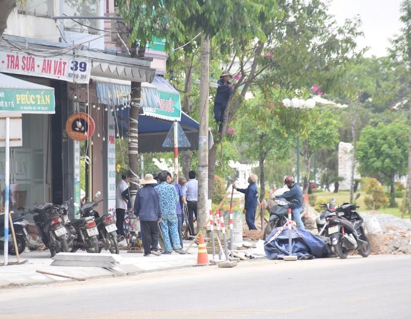 Quảng Nam: Nhiều người ra đường không đeo khẩu trang - ảnh 5