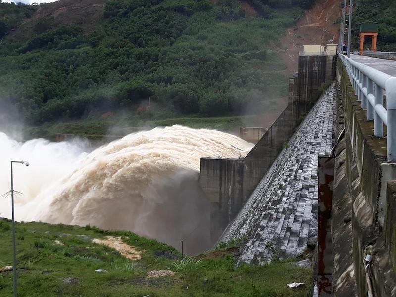Quảng Nam cắt giảm dự toán chi 2.388 tỉ vì hụt thu - ảnh 2