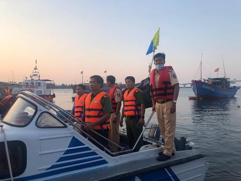 Danh tính 5 người mất tích vụ lật ghe ở Quảng Nam - ảnh 1