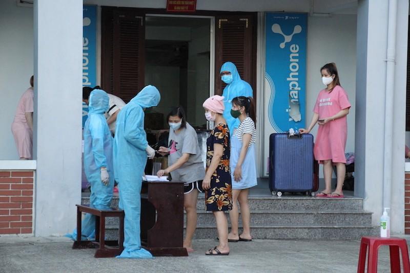 Thêm bà bầu cách ly tại Quảng Nam sinh em bé - ảnh 1