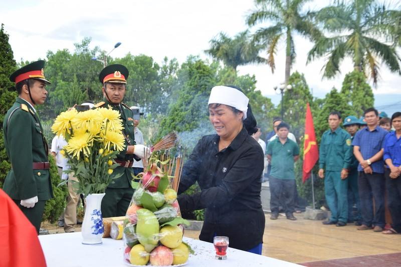 Truy điệu, an táng hài cốt 17 liệt sĩ đặc công ở Quảng Nam - ảnh 3
