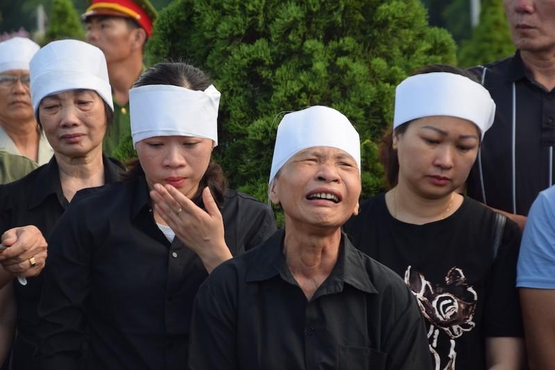 Truy điệu, an táng hài cốt 17 liệt sĩ đặc công ở Quảng Nam - ảnh 2