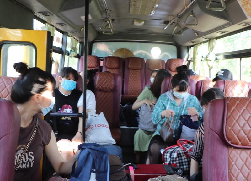 227 bà bầu về từ Đài Loan chia tay khu cách ly - ảnh 4
