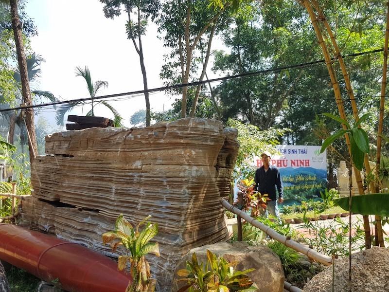 Vụ 60 tấn đá: Chủ khu du lịch đang trả đá về chỗ cũ - ảnh 1