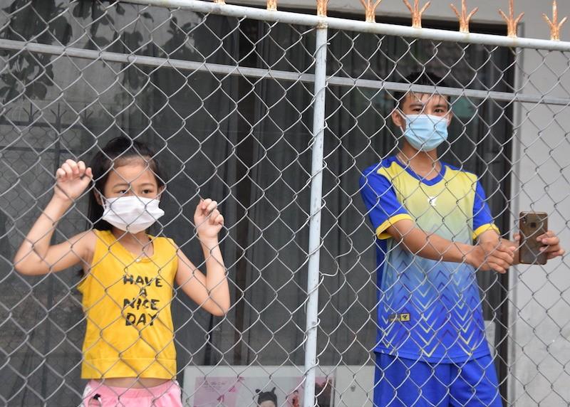 Bên trong khu phong tỏa có 7 người nhiễm COVID-19 ở Quảng Nam - ảnh 9