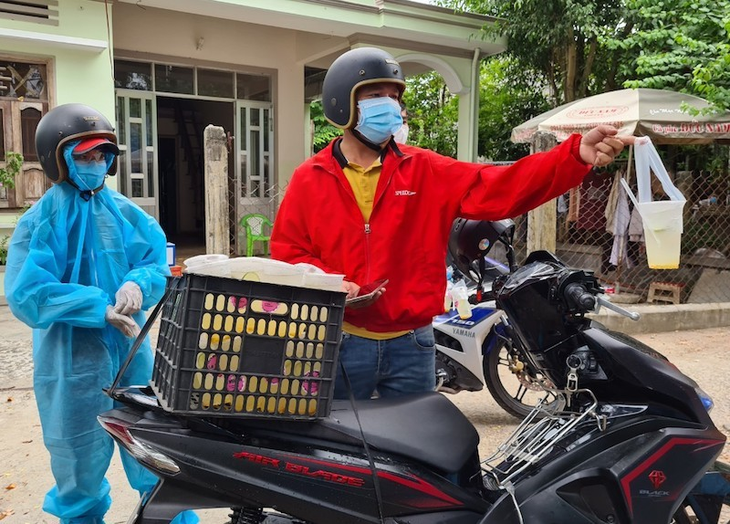 Bên trong khu phong tỏa có 7 người nhiễm COVID-19 ở Quảng Nam - ảnh 11