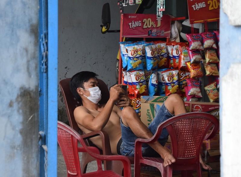 Bên trong khu phong tỏa có 7 người nhiễm COVID-19 ở Quảng Nam - ảnh 12
