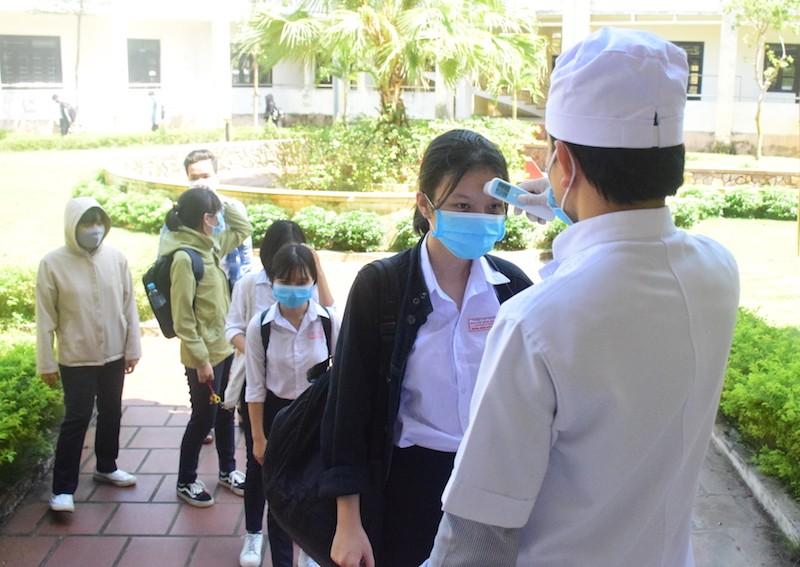 45% thí sinh Quảng Nam được thi THTP đợt 1 do dịch COVID-19 - ảnh 1