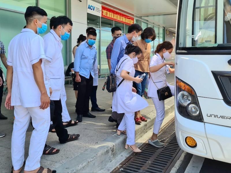 38 'chiến binh áo trắng' Phú Thọ đến vùng dịch Quảng Nam - ảnh 2