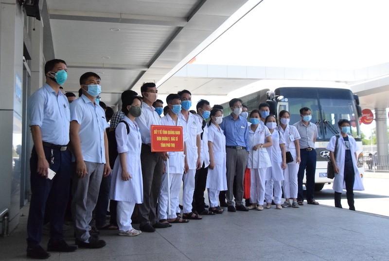 38 'chiến binh áo trắng' Phú Thọ đến vùng dịch Quảng Nam - ảnh 1