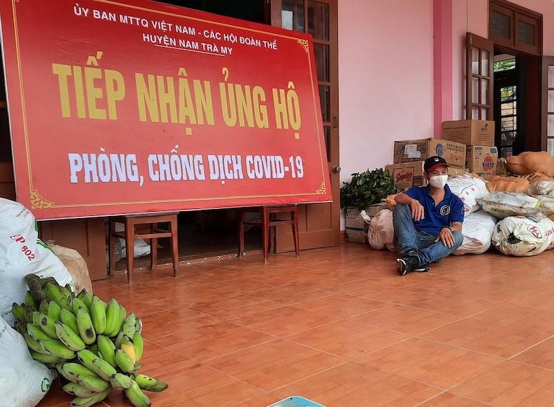 Người dân Trà My hái gần 10 tấn rau rừng gửi vùng dịch Đà Nẵng - ảnh 10