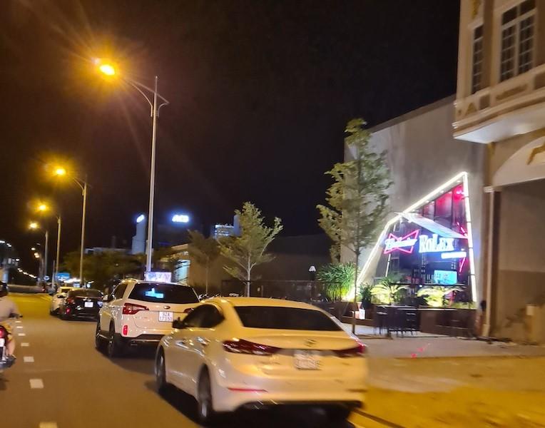 Quán bar ở Quảng Nam hoạt động bất chấp lệnh cấm - ảnh 2