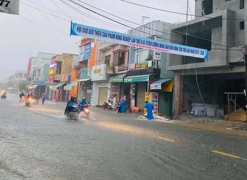 Quảng Nam: Thuỷ điện xả nước, nhiều nơi ngập sâu - ảnh 2