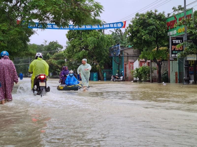 Quảng Nam: Nhiều vùng ngập sâu, sơ tán dân trước 17 giờ - ảnh 4