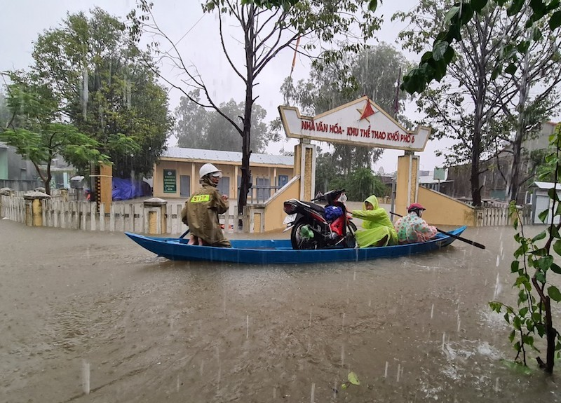 Quảng Nam: Mưa liên tục, TP Tam Kỳ bắt đầu ngập - ảnh 10