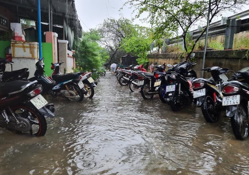 Quảng Nam: Mưa liên tục, TP Tam Kỳ bắt đầu ngập - ảnh 3
