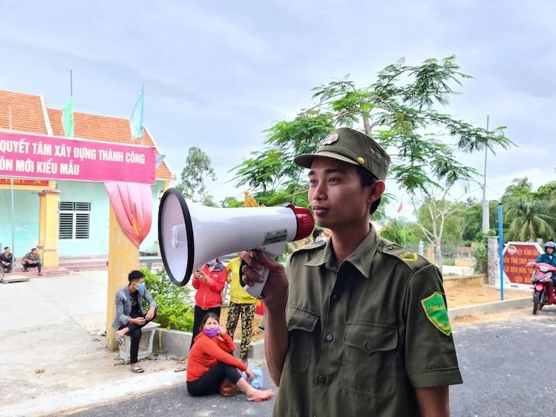 Quảng Nam sơ tán hàng ngàn người, có xe cứu thương hỗ trợ - ảnh 1