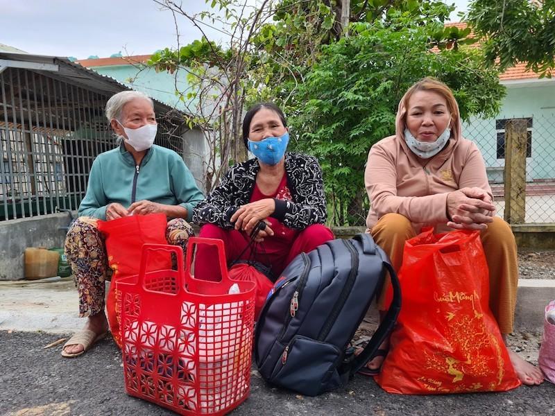 Quảng Nam sơ tán hàng ngàn người, có xe cứu thương hỗ trợ - ảnh 2
