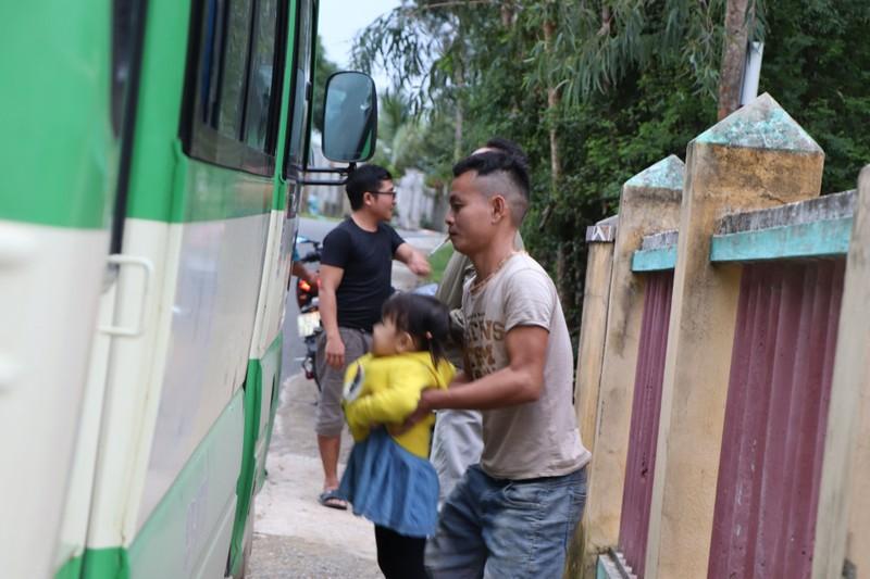 Quảng Nam sơ tán hàng ngàn người, có xe cứu thương hỗ trợ - ảnh 3