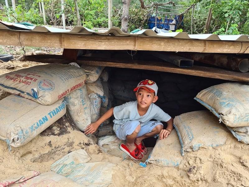 Quảng Nam: Người dân làm hầm tránh bão số 9 - ảnh 5