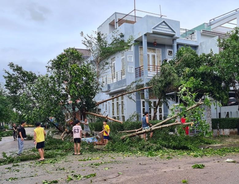Quảng Nam ngổn ngang sau bão số 9 - ảnh 11