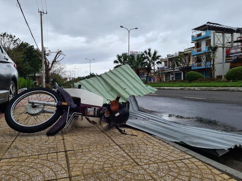 Quảng Nam ngổn ngang sau bão số 9 - ảnh 8