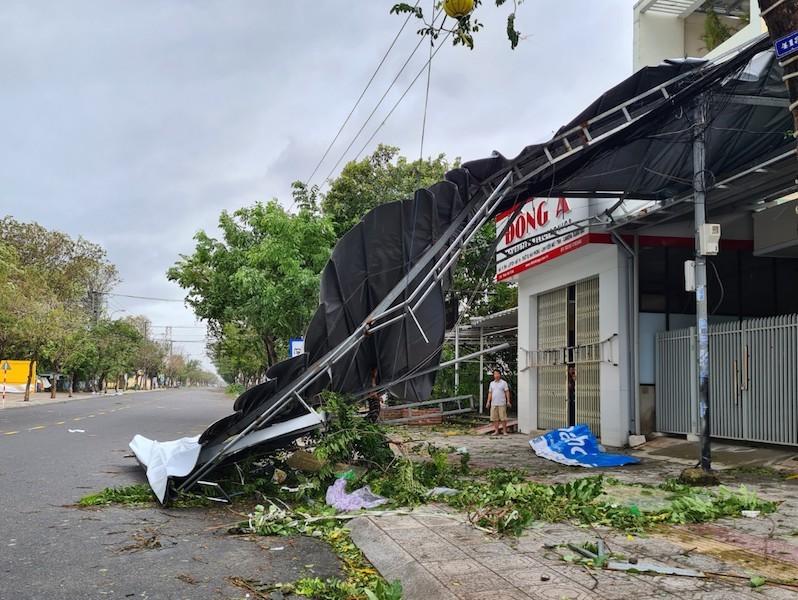 Quảng Nam ngổn ngang sau bão số 9 - ảnh 9