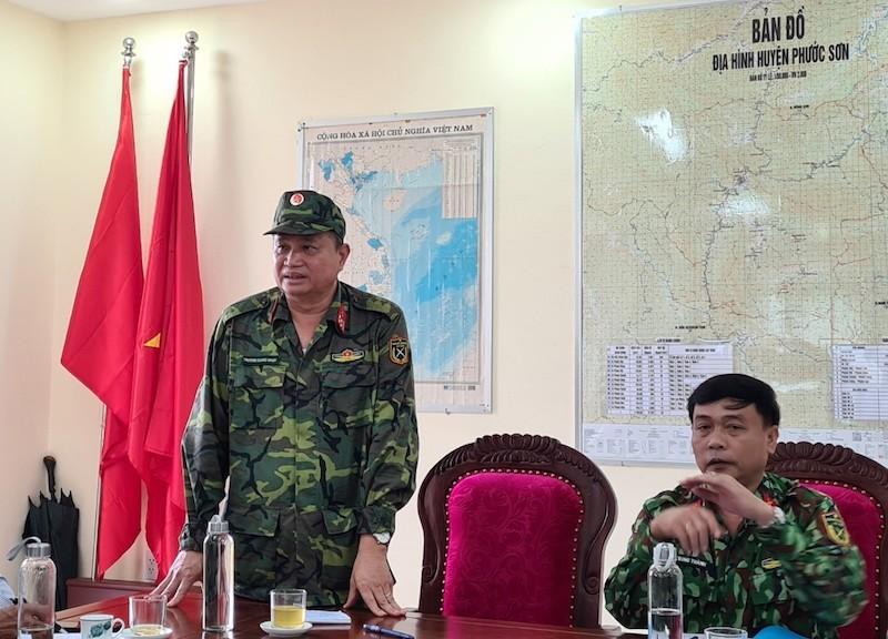 Quảng Nam: Sẽ cõng 50 tấn hàng đến 2.800 nguời đang bị cô lập - ảnh 1