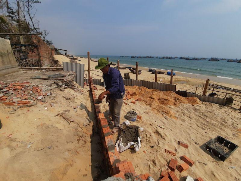 Người dân Quảng Nam đứng trước nguy cơ mất nhà vì biển - ảnh 2