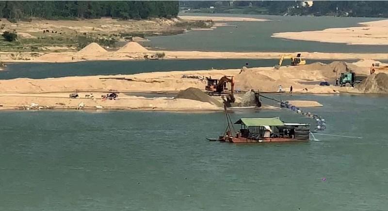 Quảng Nam lập đoàn kiểm tra các mỏ khai thác khoáng sản - ảnh 1
