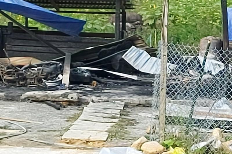Cháy nhà lúc giữa đêm, 2 vợ chồng tử nạn - ảnh 1