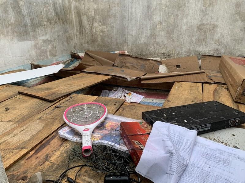 Lốc xoáy do bão gây ra tàn phá 20 nhà của người dân Quảng Nam, Quảng Ngãi - ảnh 2