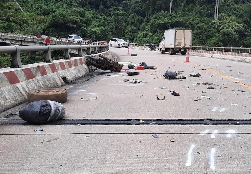 2 mẹ con tử vong do tai nạn trên đường từ miền Nam về quê - ảnh 1