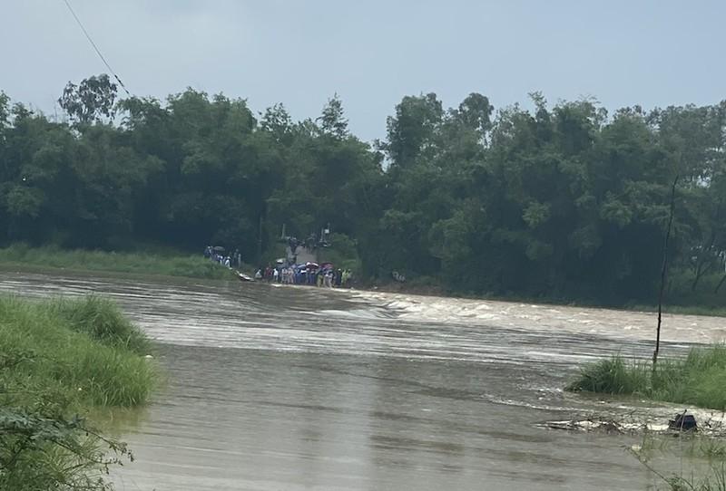 Quảng Nam: 5 người bị nước lũ cuốn trôi, 1 người mất tích - ảnh 1