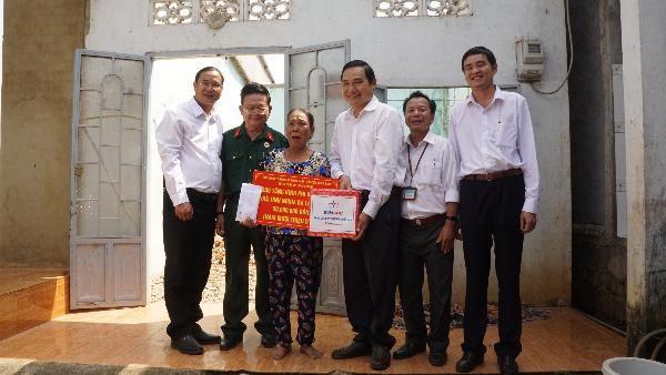 Hội Cựu chiến binh Sở Tư pháp TP.HCM trao tặng nhà tình nghĩa - ảnh 4