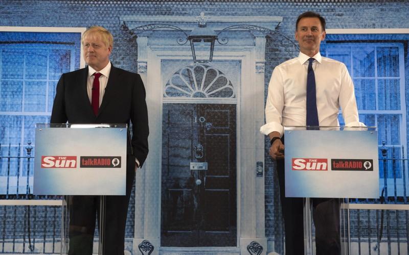 Ứng viên hàng đầu chức thủ tướng Anh không ủng hộ Mỹ đánh Iran - ảnh 1