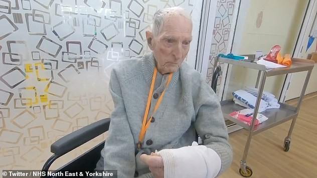 Cựu binh 99 tuổi sống sót qua Thế chiến 2 đánh bại COVID-19 - ảnh 1