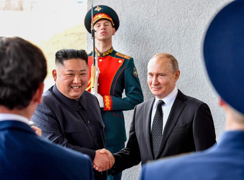 Ông Kim Jong-un gửi điện chúc mừng đến ông Putin - ảnh 1