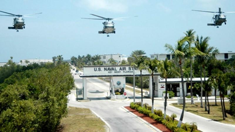 Chụp ảnh căn cứ hải quân Mỹ, 3 người Trung Quốc lãnh án tù - ảnh 1