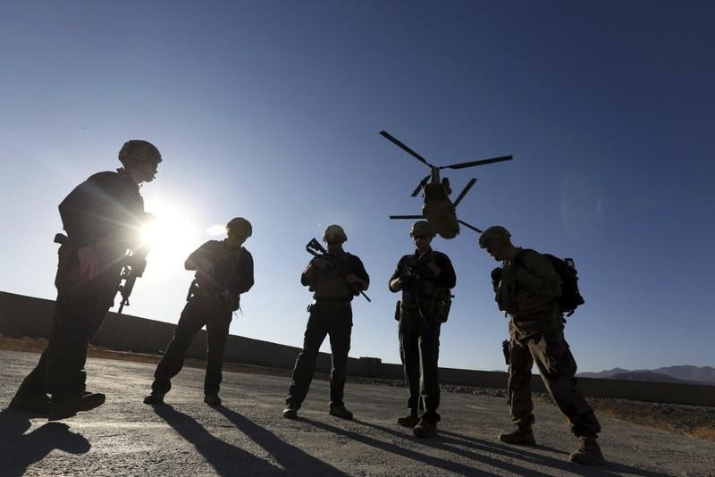 Bao nhiêu người nghi rò rỉ tin Nga thuê Taliban giết lính Mỹ? - ảnh 1