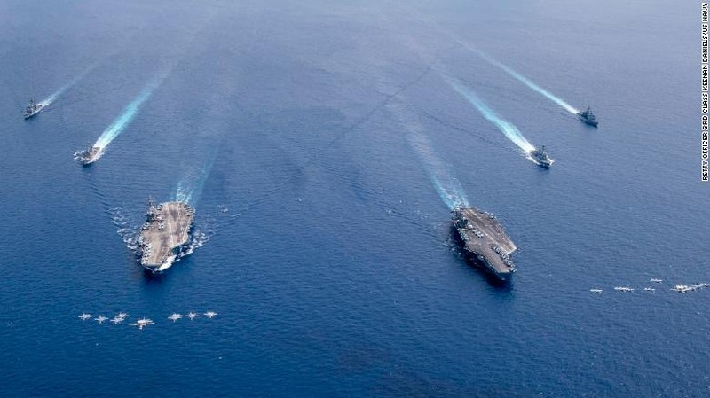 Diễn tập ở Biển Đông, thủy thủ Mỹ làm gì để ngừa COVID-19?  - ảnh 1