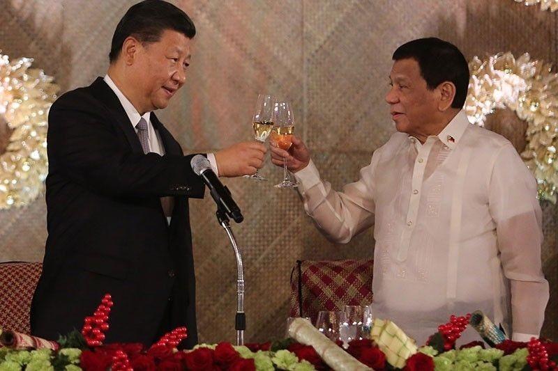 Ông Duterte 'nhắc nhở' ông Tập việc ưu tiên vaccine COVID-19 - ảnh 1