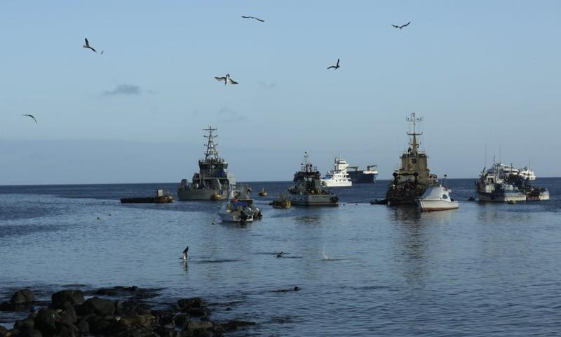Ecuador báo động tàu cá Trung Quốc áp sát quần đảo di sản  - ảnh 1