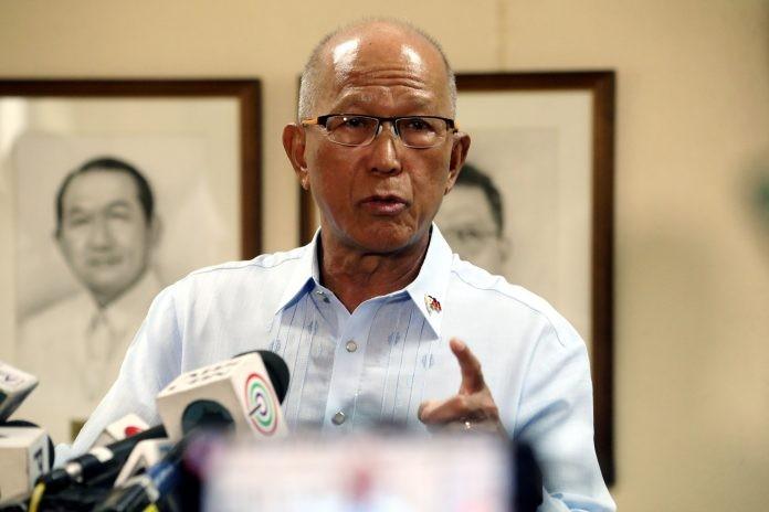 Biển Đông:Philippines chọn cân bằng quan hệ với Mỹ, Trung Quốc - ảnh 1